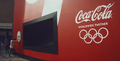 Celebrate London 2012 with Coca-Cola's biggest vending machine