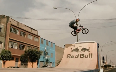 MX ramp riding on a moving trailer - Daniel Dhers in Peru
