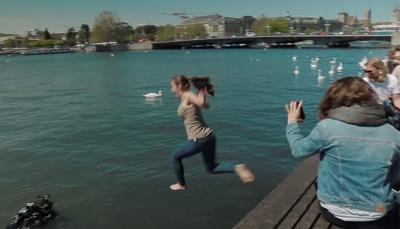 Samsung Galaxy S5 Challenge: #UnderwaterSelfie