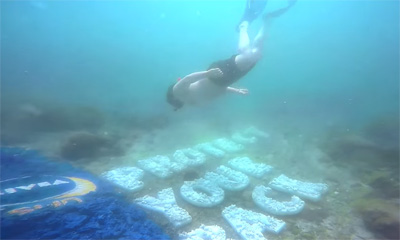 NIVEA SUN – Protect Your Back – The Undersea Billboard