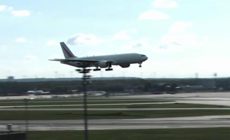 Spectacular landing at Frankfurt Airport