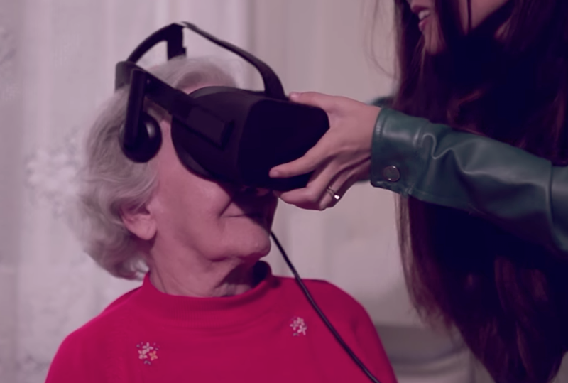 Realizing dreams of the elderly through virtual reality