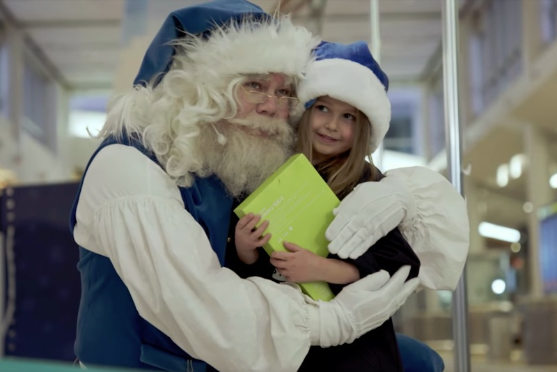 WestJet Christmas Miracle: 12 Flights of Christmas