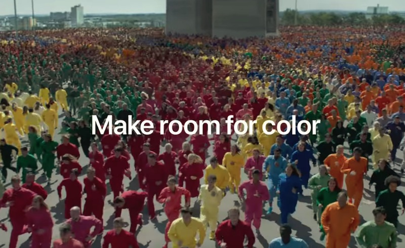 iPhone XR — Color Flood — Apple