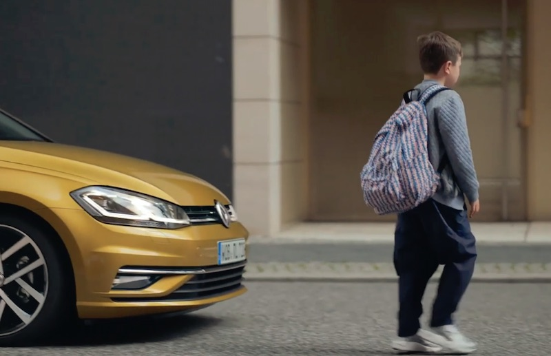 Keep distance, drive safely | Volkswagen