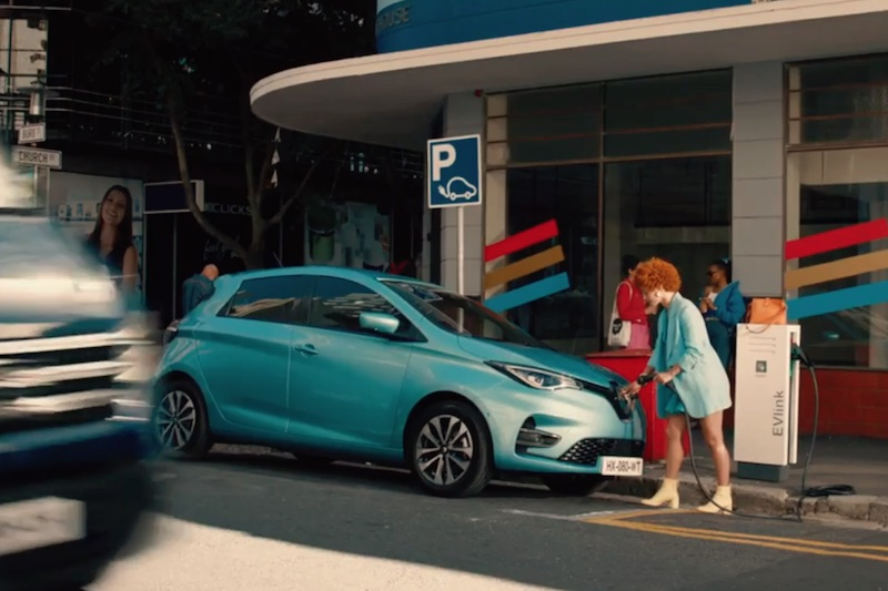 RENAULT ZOE E-TECH Leader of electric car market- « The Chase