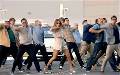 FIAT JLo Commercial