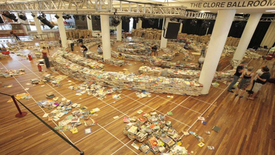 aMAZEme: A Labyrinth Made from 250,000 Books