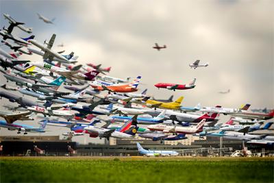 Landings at San Diego Int Airport Nov 23, 2012