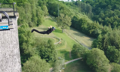 The first wireless bungee jump